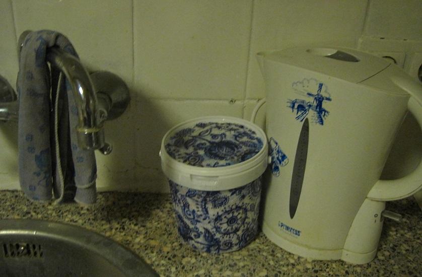 Aanrecht afvalbakje - decoupagetechniek