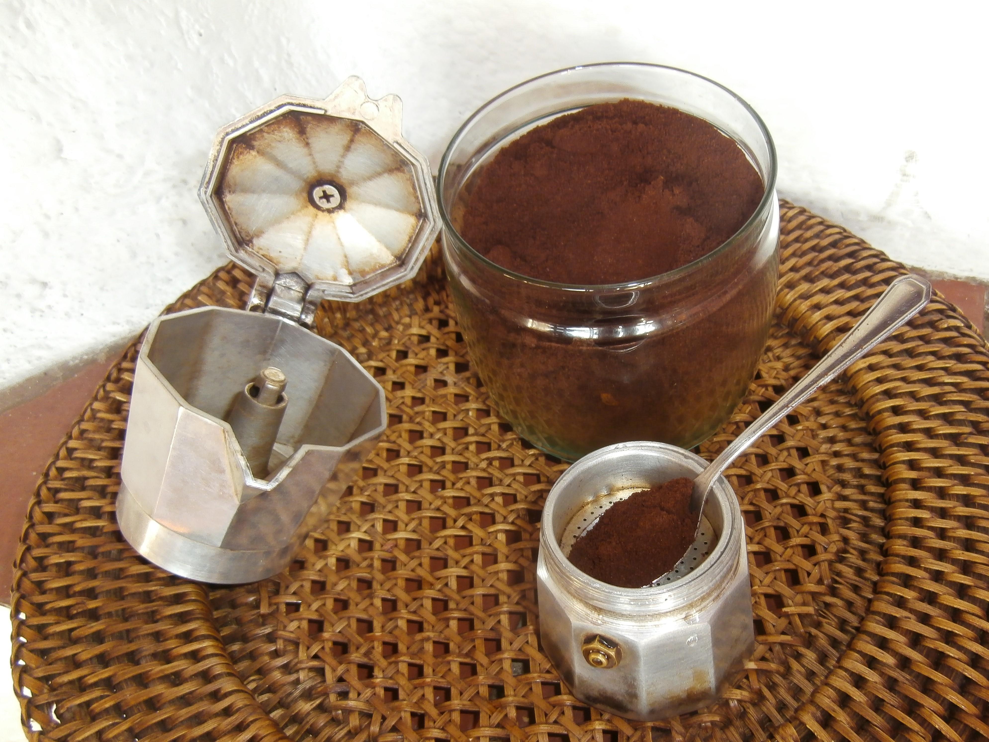 Koffie in de zeef  -  foto : Enigma